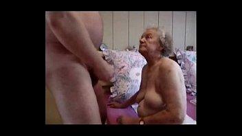 Джесика занимается порно в позе раком