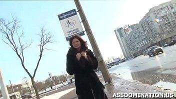 Блудливая русская дрочит писю пальцами