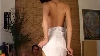 Секс на порно кастинге с худой брюнеткой