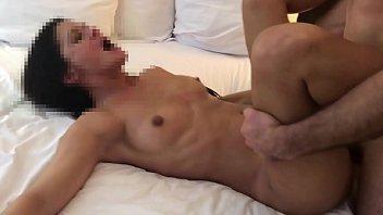 Беременная девушка на кровати занялась сексом со дедушкой