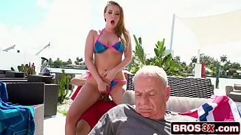 Романтический секс с пиздатой миланой фокс
