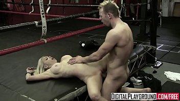 Гей надел на себя крупные накладные груди и анальное отверстие и позирует на камеру
