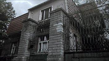 Девчушка занялась трахом на балконе